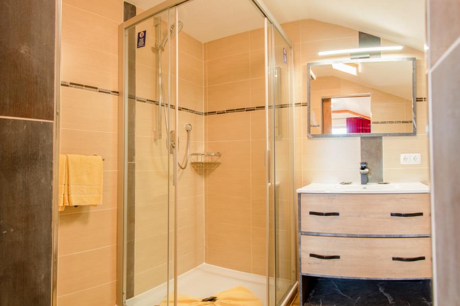Deluxe Doppelzimmer Blick auf die Dusche